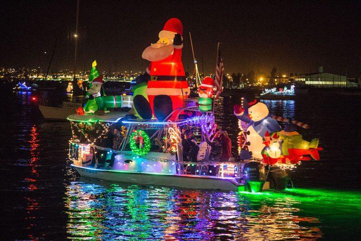 Holiday Boat Parade / photo credit: Tony Webster
